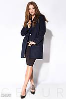 Синее демисезонное пальто прямого кроя