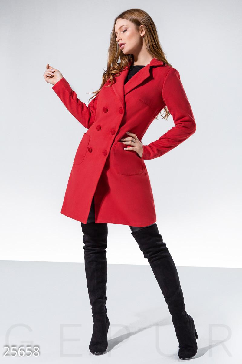 Двубортное кашемировое пальто красного цвета