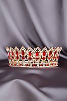 Корона с красными камнями