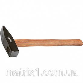 Молоток слесарный, 200 г, квадратный боек, деревянная рукоятка// SPARTA