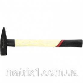 Молоток слюсарний, 300 г, квадратний бойок, дерев'яна рукоятка MATRIX