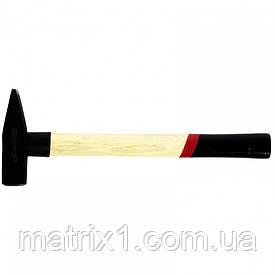 Молоток слюсарний, 500 г, квадратний бойок, дерев'яна рукоятка MATRIX