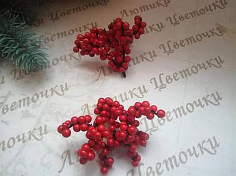 Ягода красная  пучок, мелкая