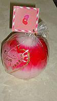 Свеча декоративная у форме шара с сердцами