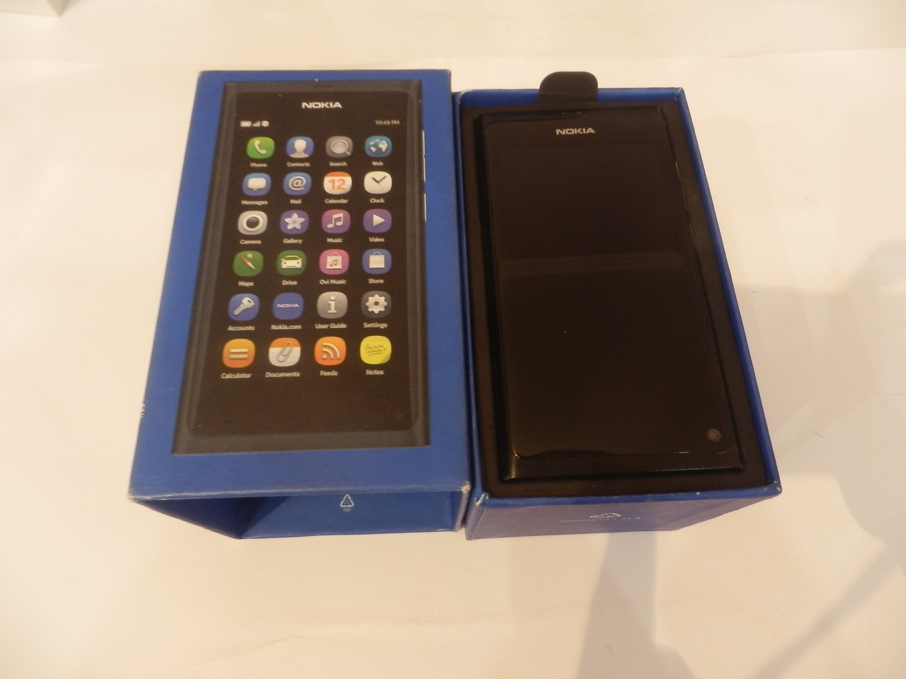 Мобильный телефон Nokia 900 №5511