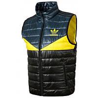 Жилетка спортивная мужская adidas Vest Colorado G92259 (черная, синтепон, воротник стойка, с логотипом адидас)