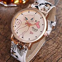 Часы женские Кошечка на руку