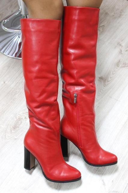 Чоботи жіночі зимові шкіряні яскраві з вузьким носком і високим каблуком (червоні)
