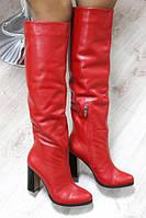 Чоботи жіночі зимові шкіряні яскраві з вузьким носком і високим каблуком (червоні), фото 1