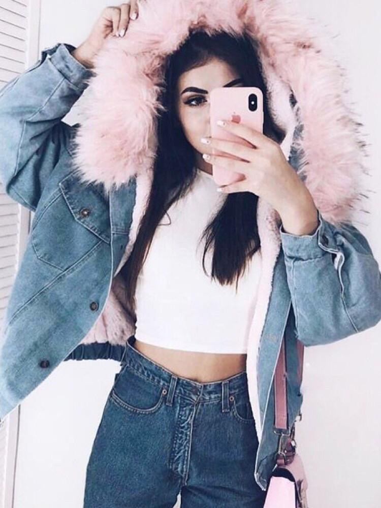 Джинсовая куртка короткая на меху, розовый и белый цвет