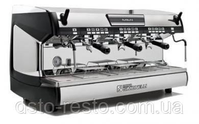 Кофеварка трехрожковая автоматическая Nuova Simonelli Aurelia 3GR V