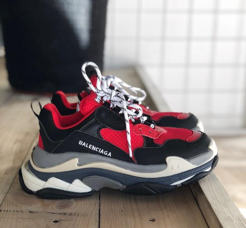 Женские кроссовки Balenciaga Triple S Red. Живое фото (Реплика ААА+)