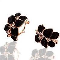 Серьги черные цветы