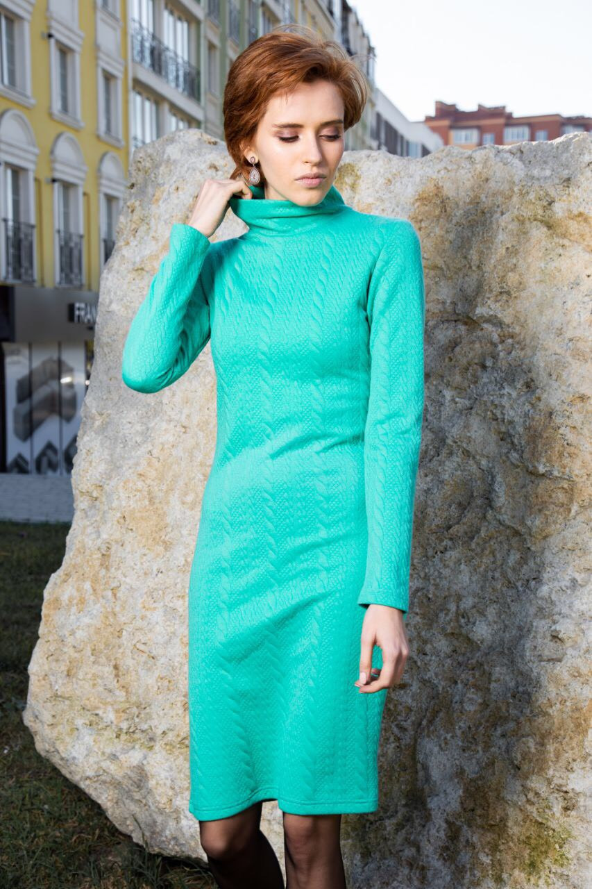 Тёплое женское платье-гольф зеленое, синие 50,52