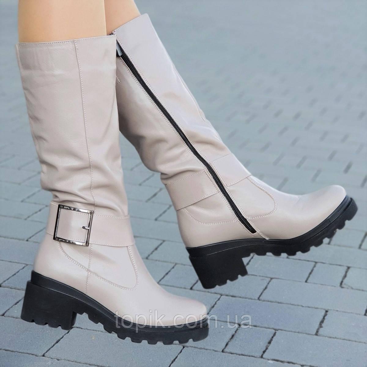 4b9e461dff06 Женские зимние сапоги на платформе кожаные бежевые на толстой тракторной  подошве ...