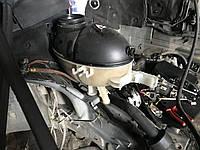 Розширювальний бачок A2045000749 на w212 w204 Mercedes мерседес