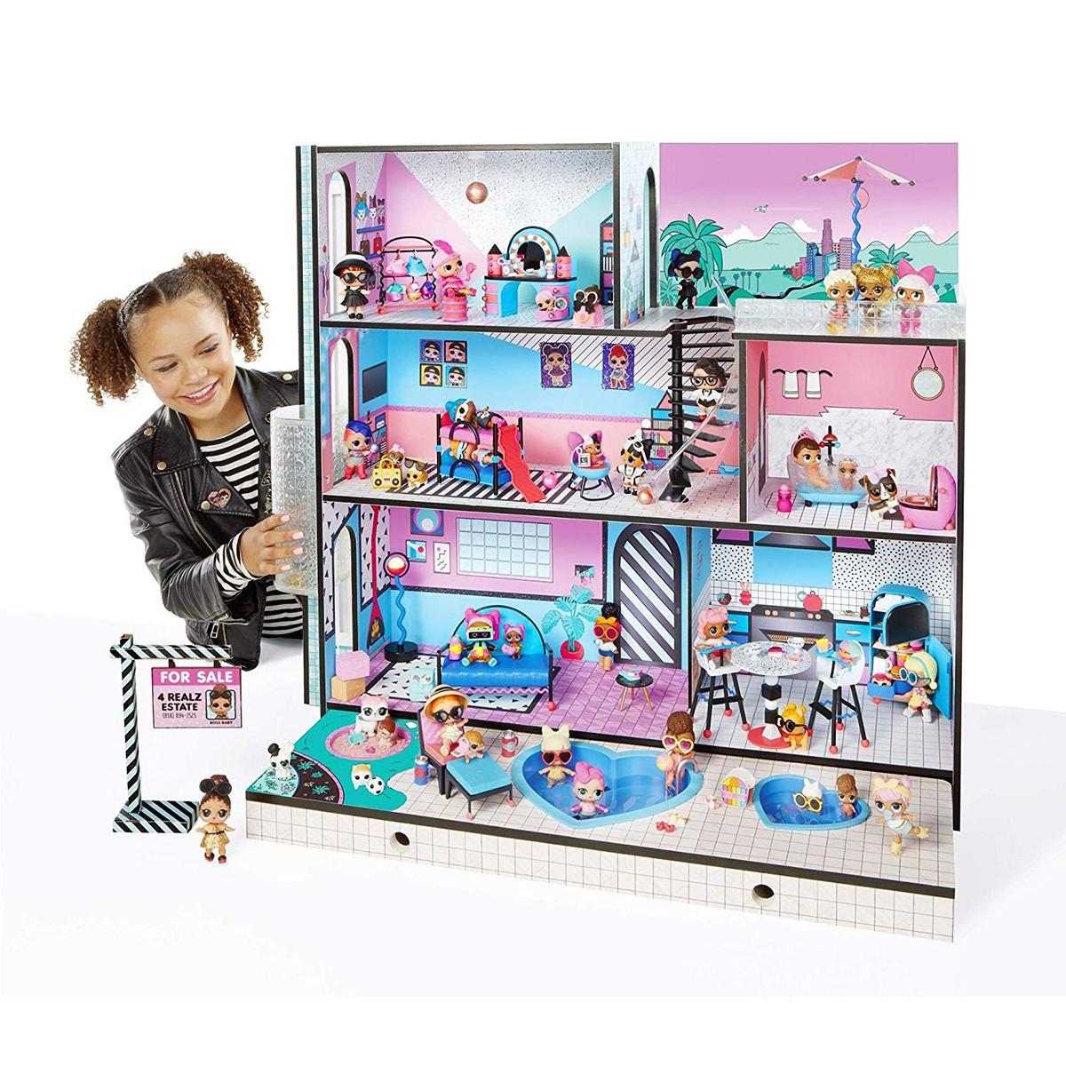 Домик для кукол ЛОЛ Сюрприз Модный особняк с бассейном и с семьей лол - LOL Surprise House 555001