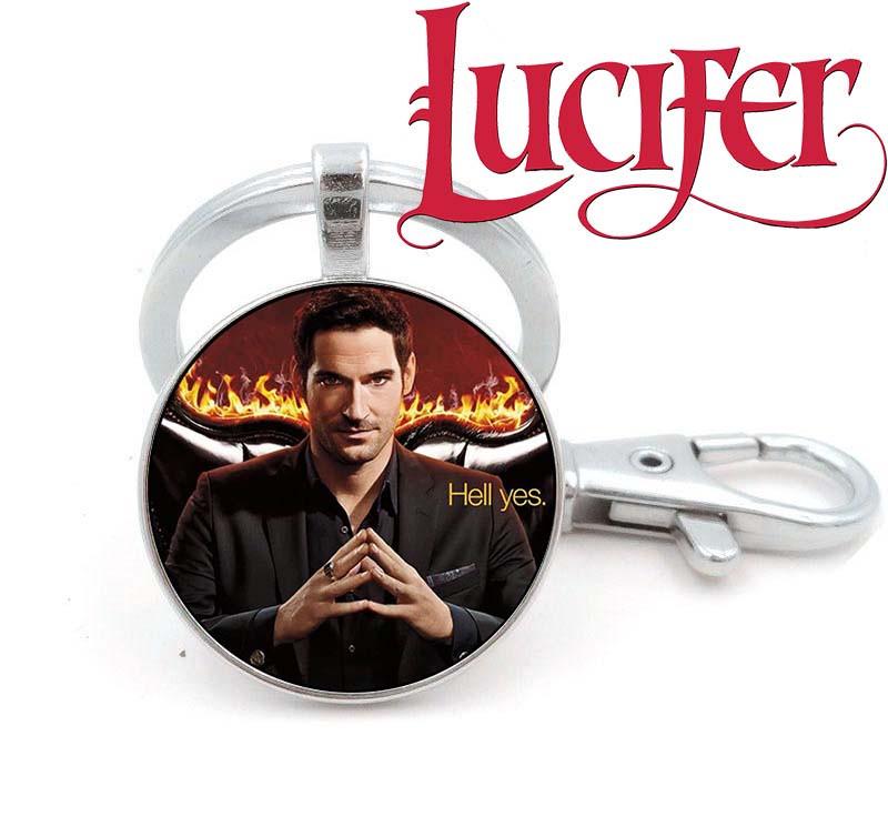 Брелок на фоне огня Люцифер / Lucifer