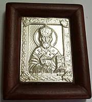 Автомобильная икона с ликом Святого Николая Чудотворца из серебра в деревьяной оправе
