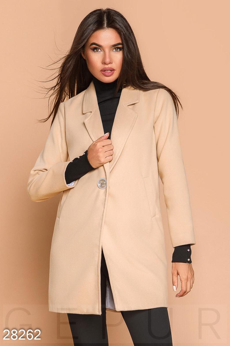 Стильное пальто-пиджак бежевого цвета