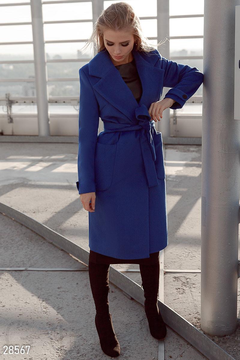 Стильное женское классическое пальто синего цвета