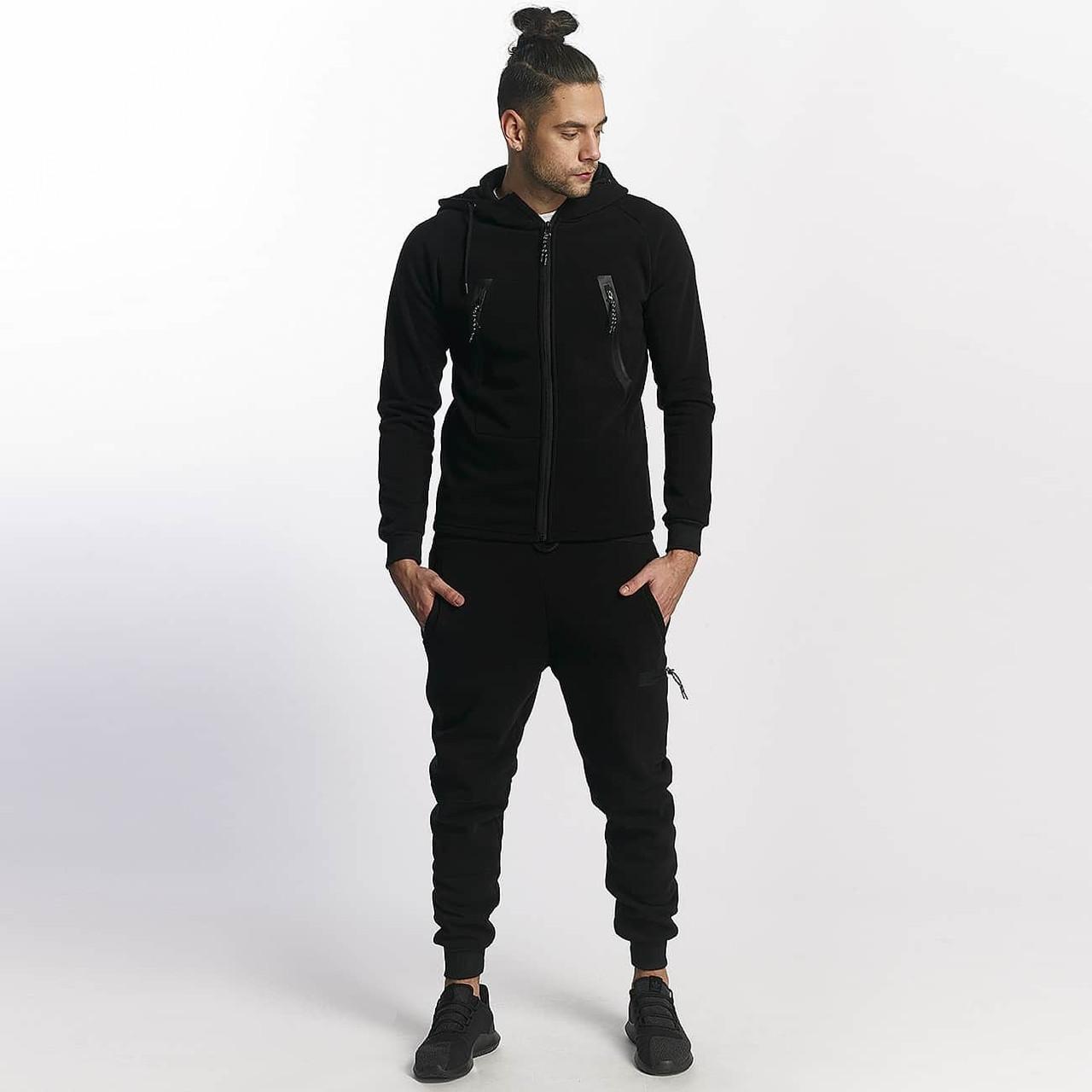 Мужской теплый спортивный костюм с большими карманами черный
