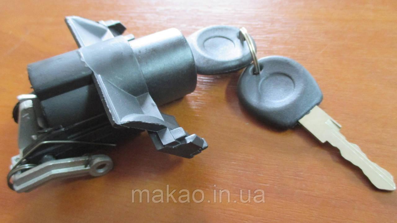 Замок багажника (метал) Chery Amulet A11/A15/ Чері Амулет
