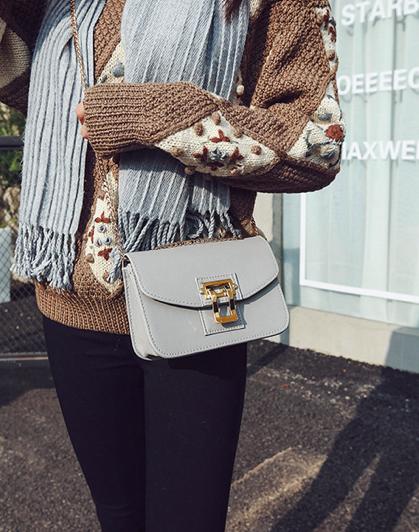 Женский клатч сумка на цепочке Olivia Серый