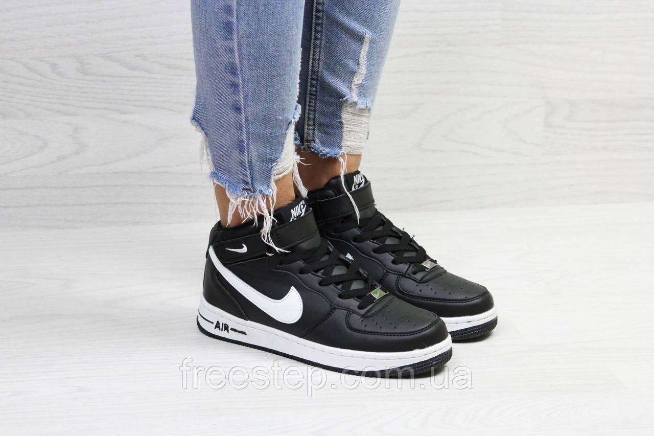 Зимние кроссовки в стиле Nike Air Force f949fce6161f3
