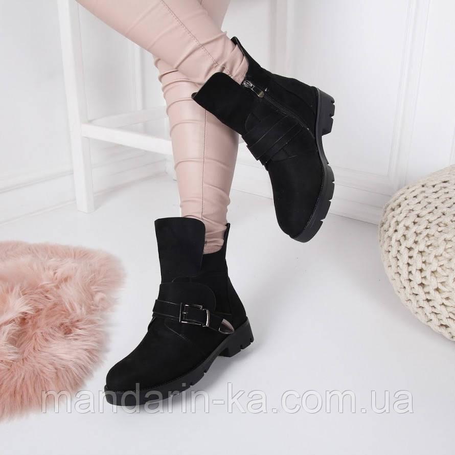 Женские зимние  ботинки черные