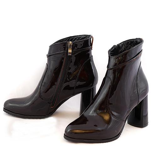 Ботинки зимние женские лаковые на устойчивом каблуке, черный цвет