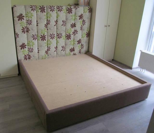 Разнообразные варианты двуспальных кроватей с мягким изголовьем сделанные нами по эскизам, индивидуально на заказ 1