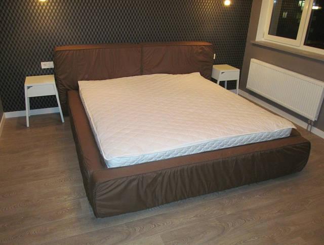 Разнообразные варианты двуспальных кроватей с мягким изголовьем сделанные нами по эскизам, индивидуально на заказ 3
