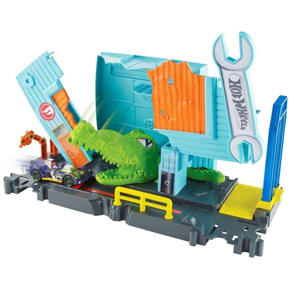 Игровой набор Атака крокодила в гараже Hot Wheels City Gator Garage Attack Play Set
