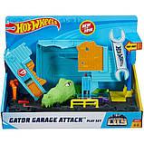Игровой набор Атака крокодила в гараже Hot Wheels City Gator Garage Attack Play Set, фото 3