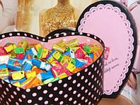 Жвачки Love is в коробочке сердце Большие