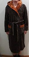 Теплый мужской халат с капюшоном.