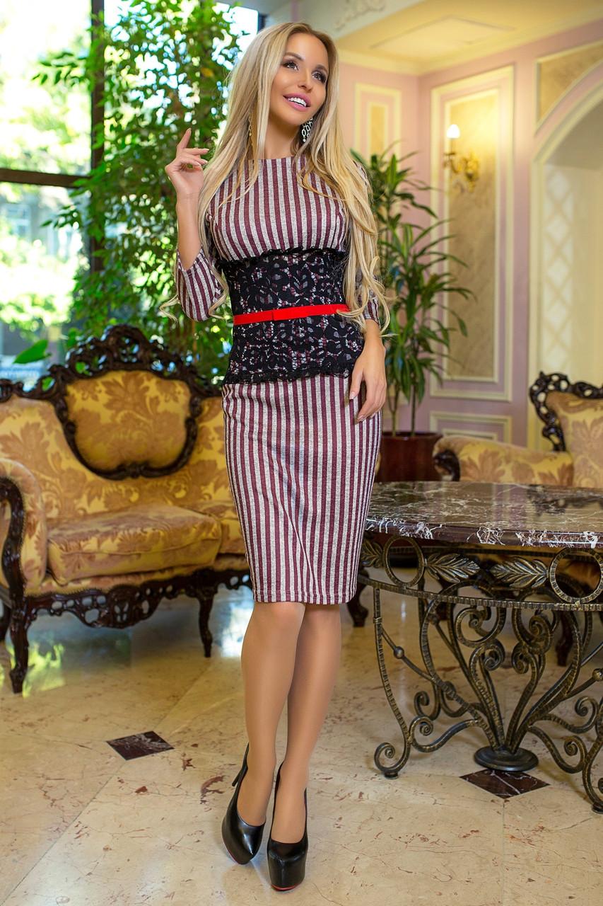 Ангоровое платье в полоску с кружевом