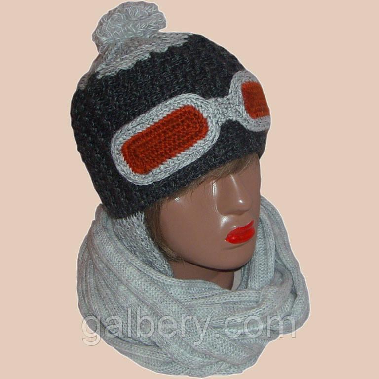 Женская вязаная шапка - ушанка цвета маренго и шарф - снуд