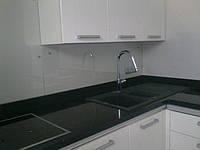 Стеклянная панель для рабочей стенки кухни - скинали