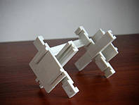 Крестик распорный 5 мм для монтажа стеклоблоков Украина
