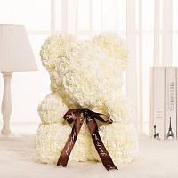 Мишка из 3D роз белый с чёрным бантом. В подарочной коробке.