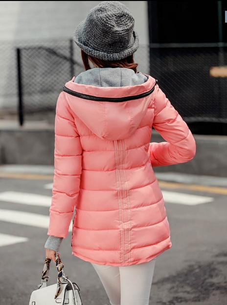 Женская розовая зимняя удлиненная теплая парка пуховик