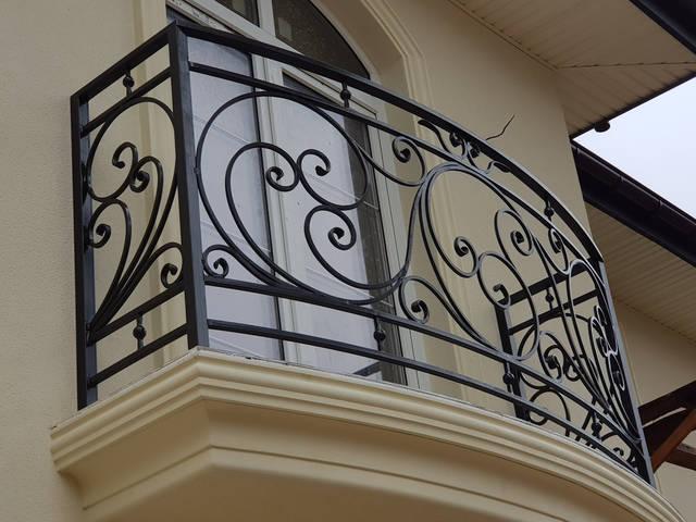 Кованые перила на балкон 1