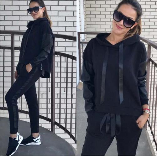 """Модный женский костюм """"Mystery"""" с кожаными вставками: толстовка с капюшоном и штаны на манжетах черный"""