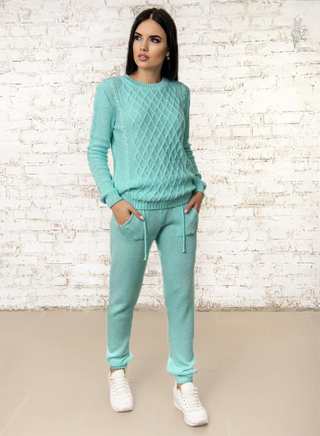 Фото Вязаного спортивного костюма с жемчугом Томила-4