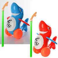 Каталка 986-39 (96шт) на палке38см, акула, звук, двиг.плавниками, 2 цвета, в кульке, 24-19-12см