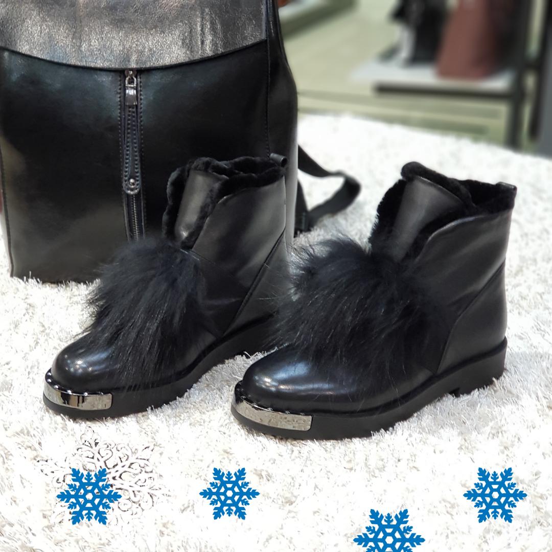 Ботинки женские зимние из натуральной кожи и натурального меха на платформе черные