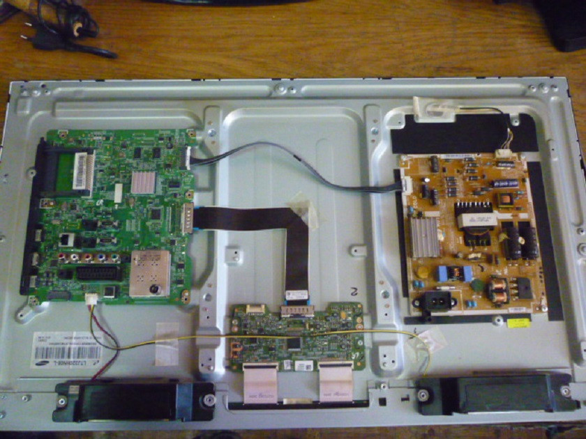 Платы от LЕD TV Samsung UE32ES5507VXUA   поблочно,комплекте (разбита матрица).