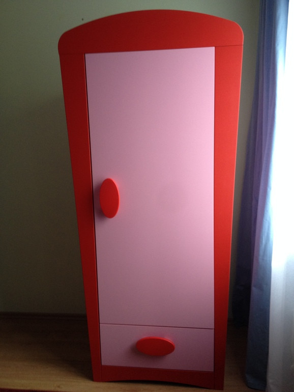 Шкаф IKEA Mammut платяной - розовый/красный (витрина)